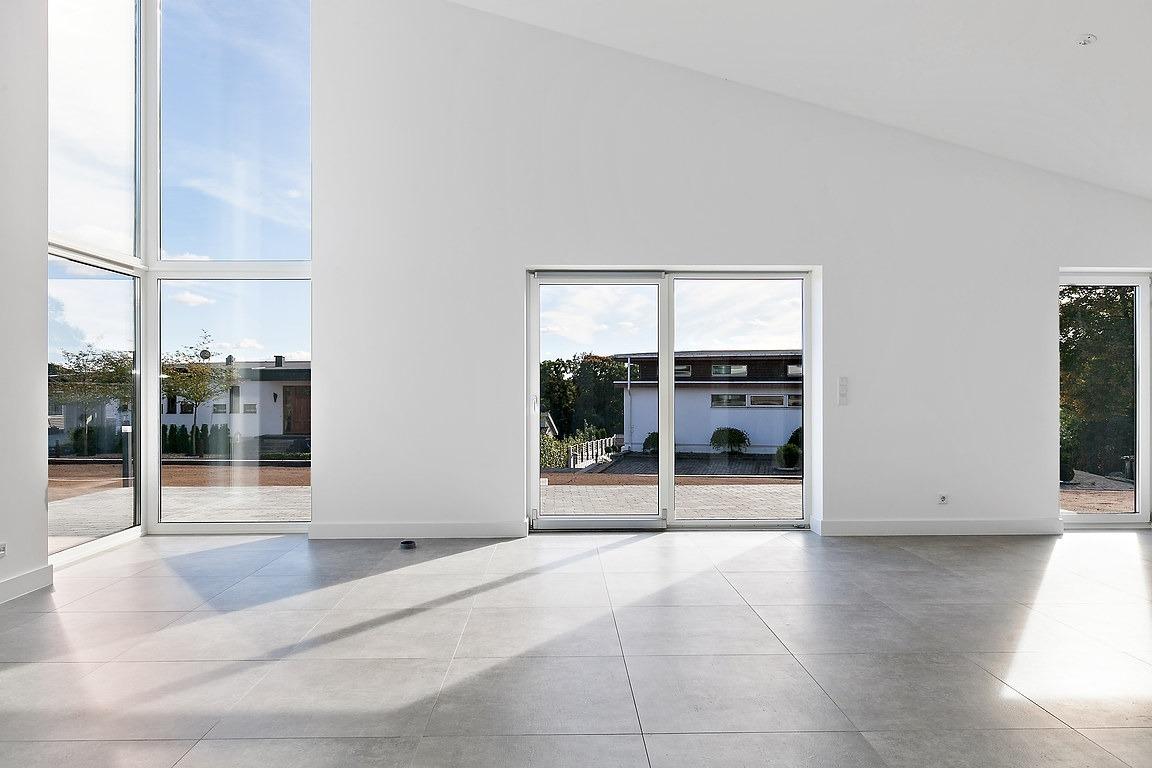 Stora fönsterpartier